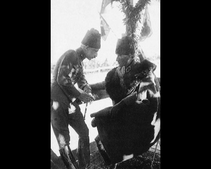 Atatürk'ün bu fotoğraflarını belkide hiç görmediniz galerisi resim 211