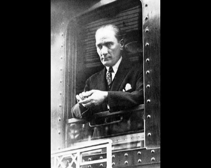 Atatürk'ün bu fotoğraflarını belkide hiç görmediniz galerisi resim 22