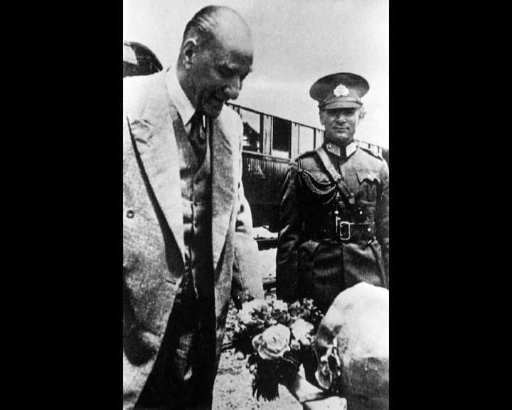 Atatürk'ün bu fotoğraflarını belkide hiç görmediniz... galerisi resim 220