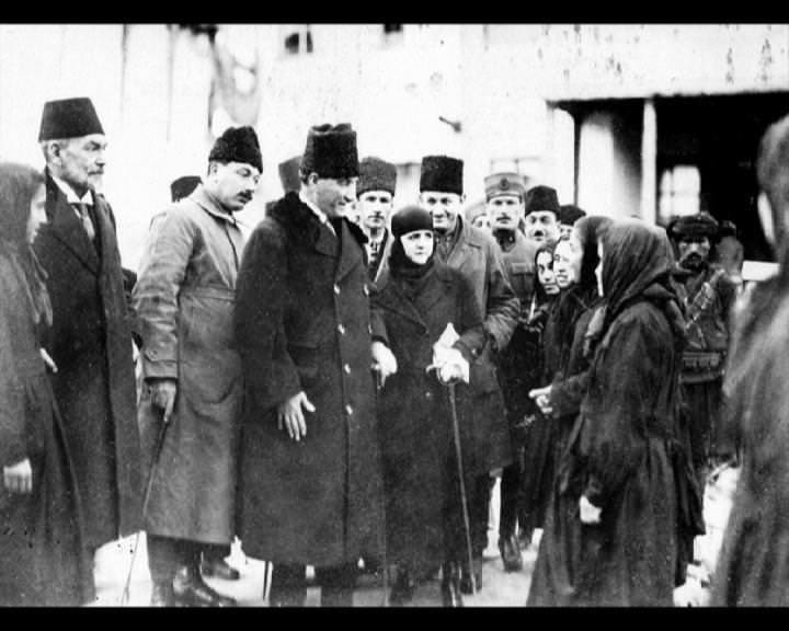 Atatürk'ün bu fotoğraflarını belkide hiç görmediniz galerisi resim 223