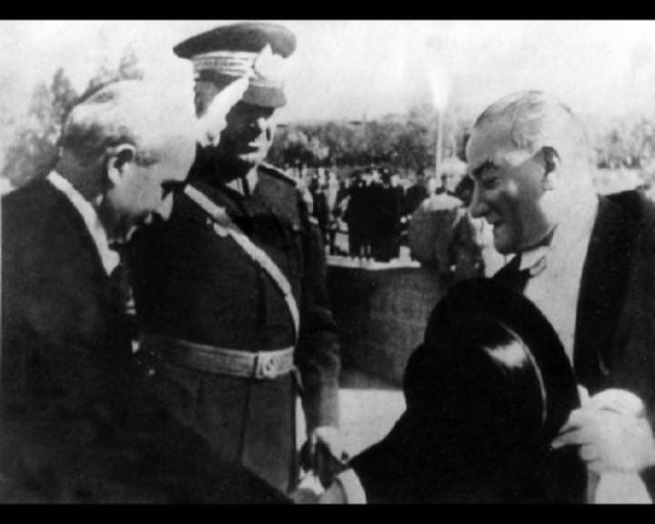 Atatürk'ün bu fotoğraflarını belkide hiç görmediniz... galerisi resim 225