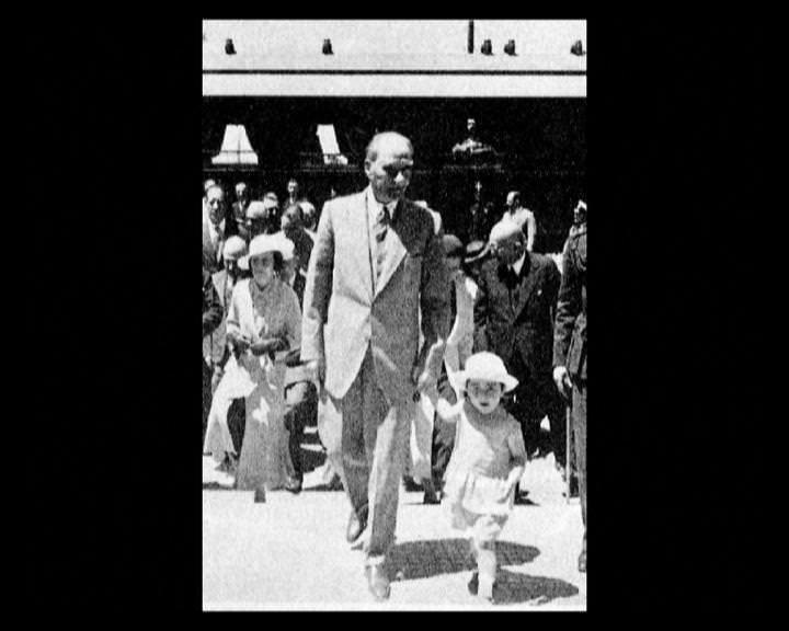 Atatürk'ün bu fotoğraflarını belkide hiç görmediniz galerisi resim 23