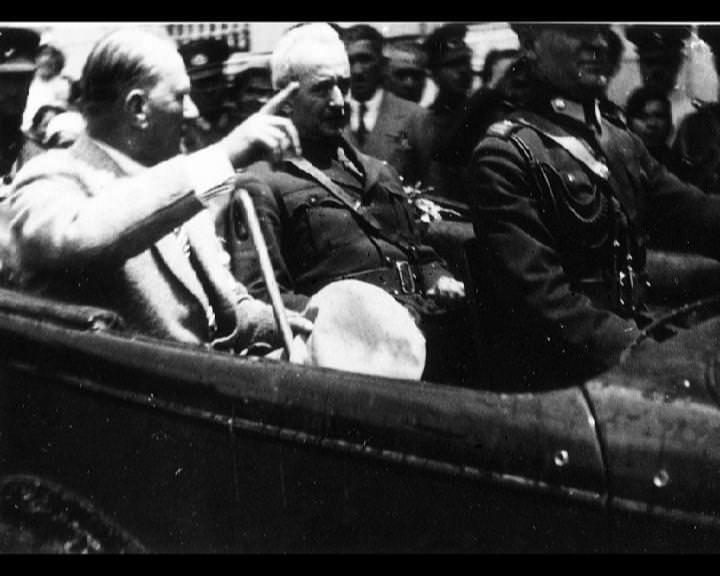 Atatürk'ün bu fotoğraflarını belkide hiç görmediniz... galerisi resim 234