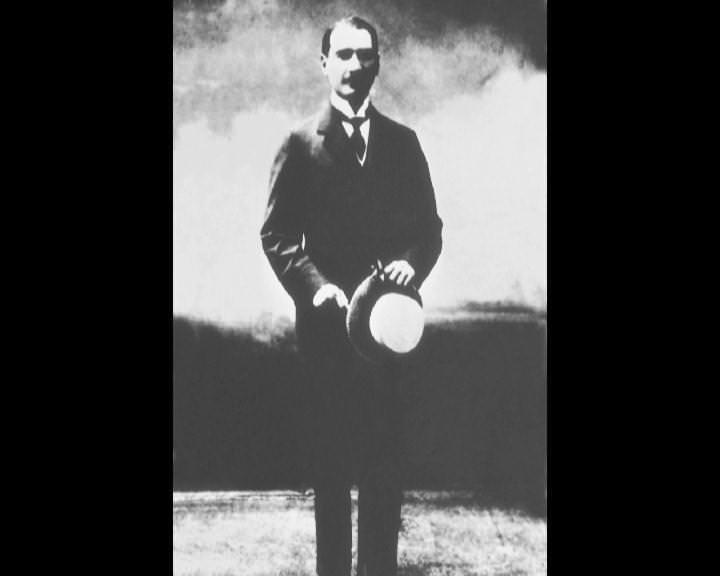 Atatürk'ün bu fotoğraflarını belkide hiç görmediniz... galerisi resim 240