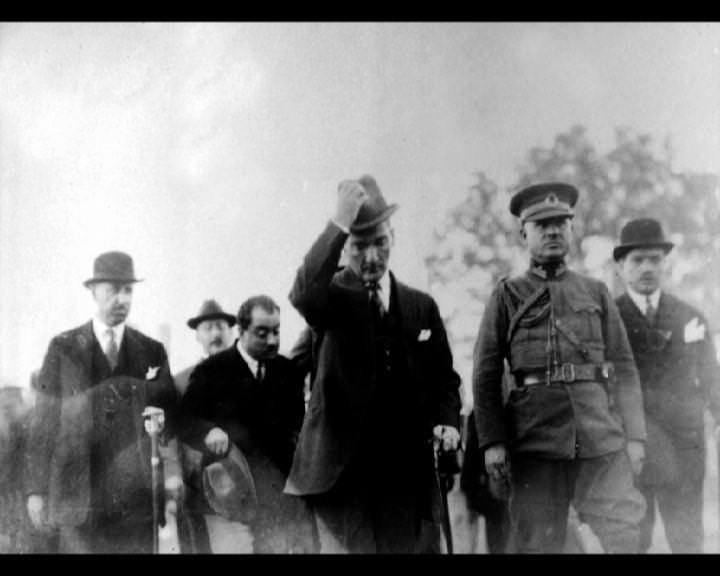 Atatürk'ün bu fotoğraflarını belkide hiç görmediniz... galerisi resim 242
