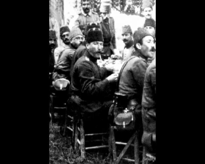 Atatürk'ün bu fotoğraflarını belkide hiç görmediniz galerisi resim 254