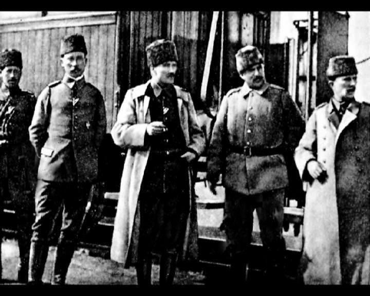 Atatürk'ün bu fotoğraflarını belkide hiç görmediniz galerisi resim 256