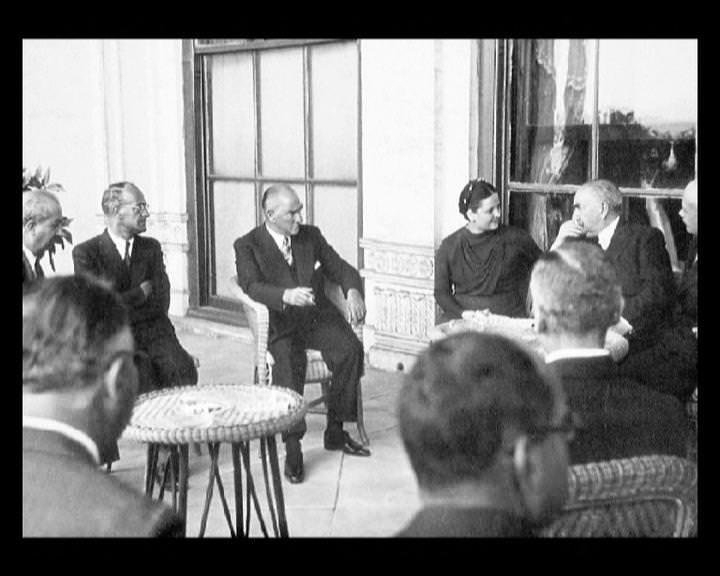 Atatürk'ün bu fotoğraflarını belkide hiç görmediniz... galerisi resim 259