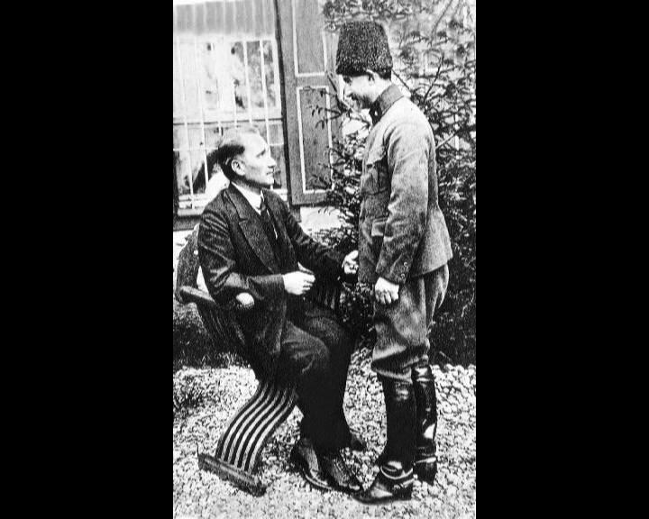 Atatürk'ün bu fotoğraflarını belkide hiç görmediniz... galerisi resim 270