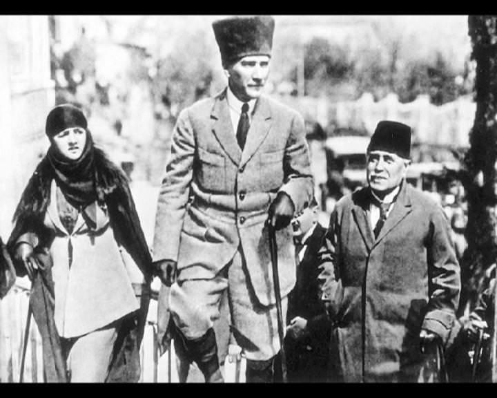 Atatürk'ün bu fotoğraflarını belkide hiç görmediniz... galerisi resim 274