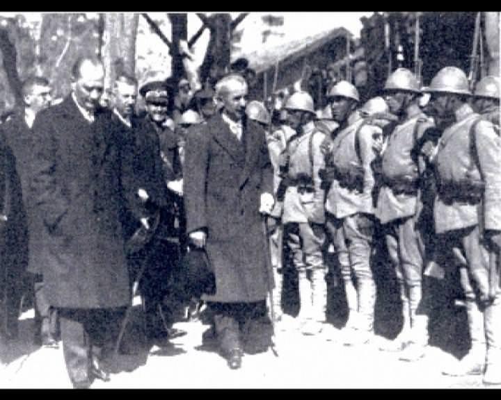 Atatürk'ün bu fotoğraflarını belkide hiç görmediniz galerisi resim 28