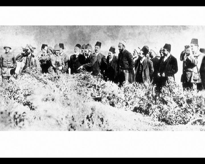 Atatürk'ün bu fotoğraflarını belkide hiç görmediniz... galerisi resim 283
