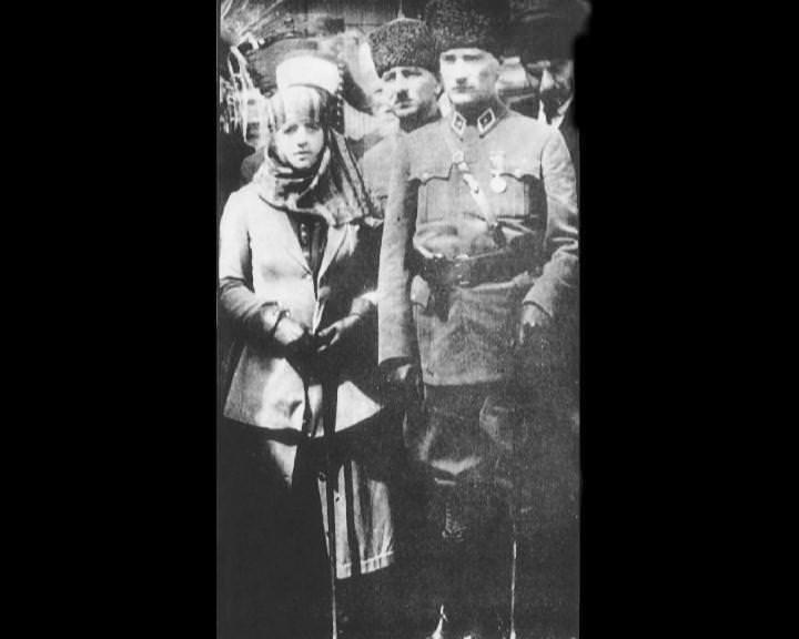 Atatürk'ün bu fotoğraflarını belkide hiç görmediniz galerisi resim 30