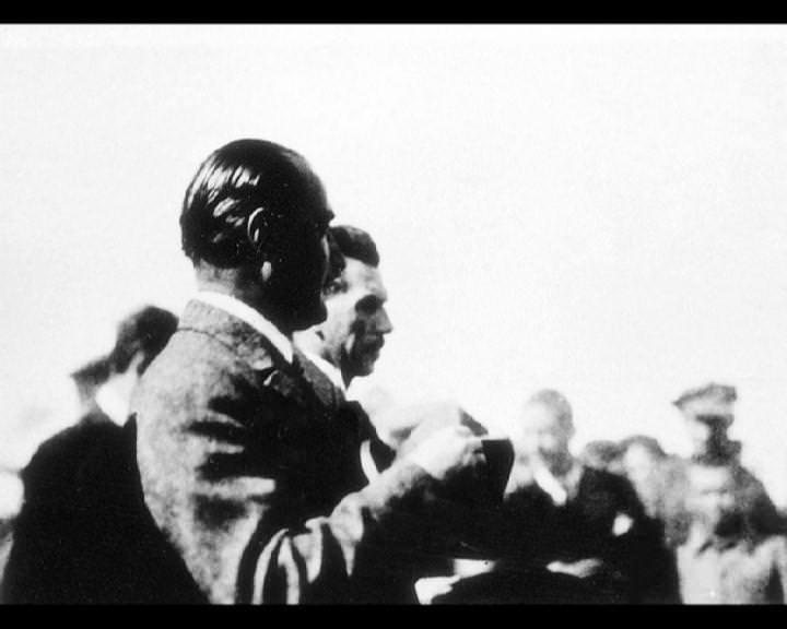 Atatürk'ün bu fotoğraflarını belkide hiç görmediniz galerisi resim 31