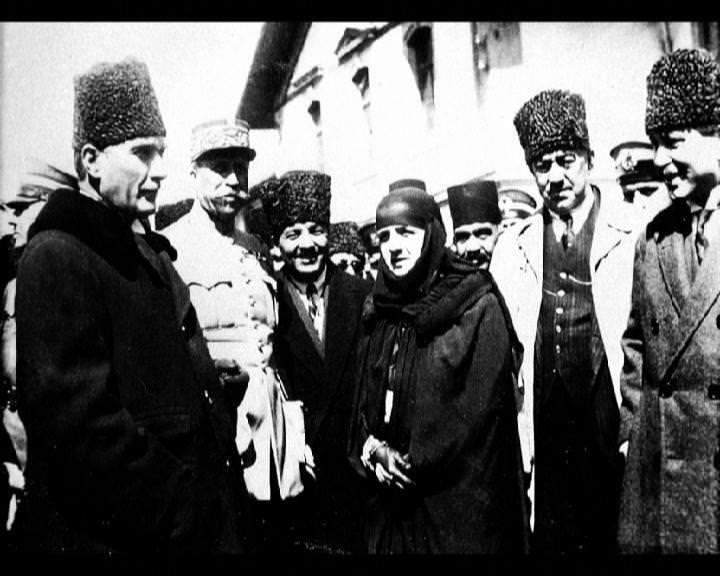 Atatürk'ün bu fotoğraflarını belkide hiç görmediniz... galerisi resim 68