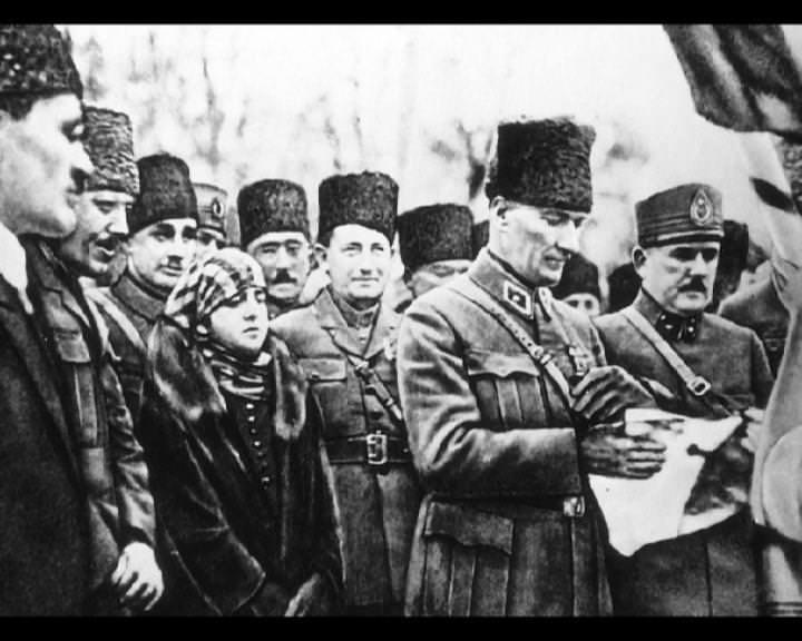 Atatürk'ün bu fotoğraflarını belkide hiç görmediniz... galerisi resim 77