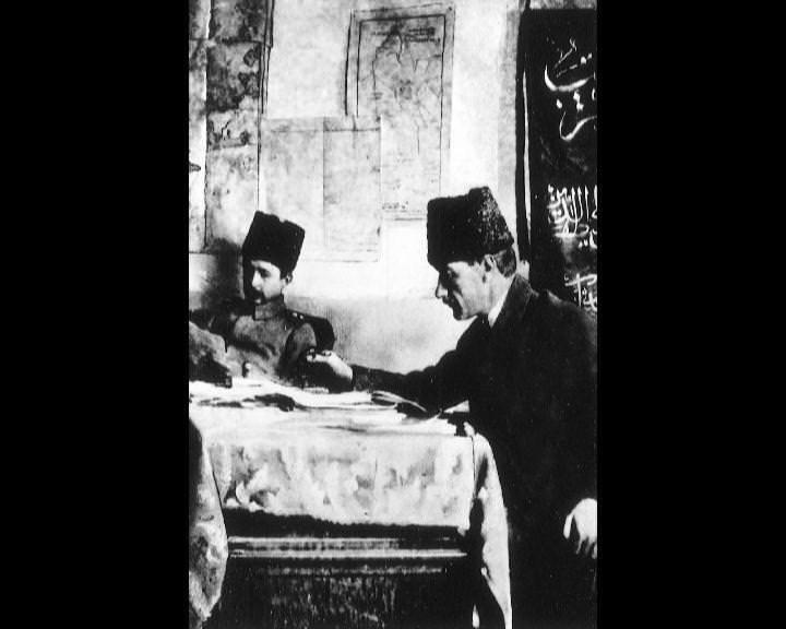 Atatürk'ün bu fotoğraflarını belkide hiç görmediniz galerisi resim 79