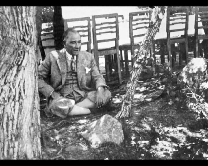 Atatürk'ün bu fotoğraflarını belkide hiç görmediniz... galerisi resim 81