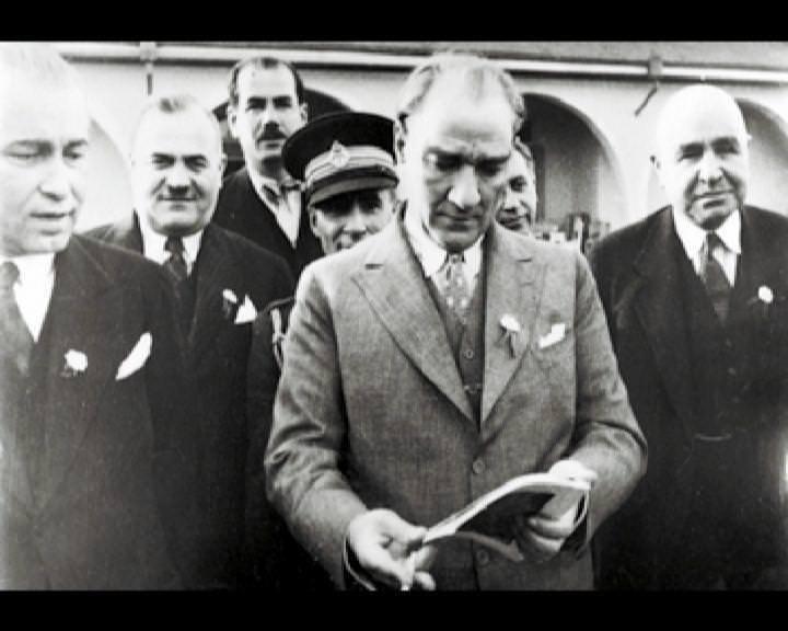 Atatürk'ün bu fotoğraflarını belkide hiç görmediniz galerisi resim 86