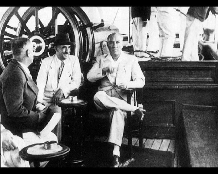 Atatürk'ün bu fotoğraflarını belkide hiç görmediniz... galerisi resim 91