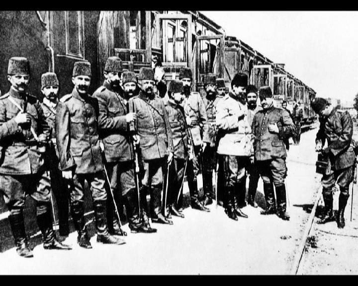 Atatürk'ün bu fotoğraflarını belkide hiç görmediniz... galerisi resim 93
