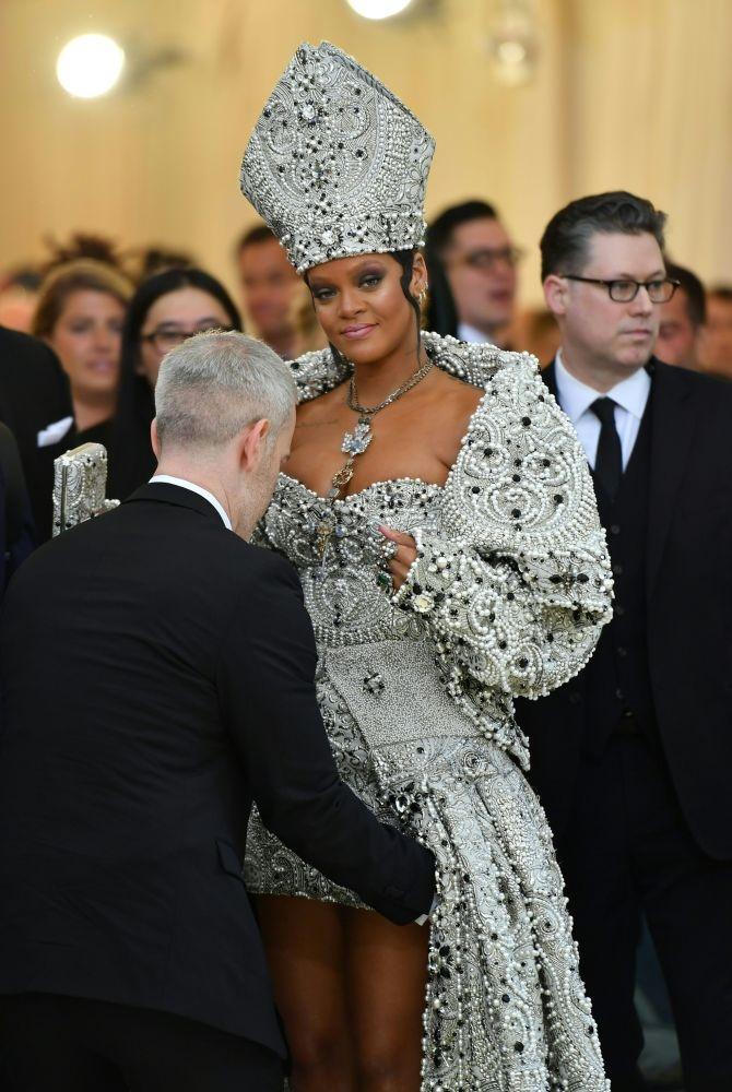 New York'ta düzenlenen Met Gala 2018'in geceye damga vuran kıyafetl galerisi resim 6