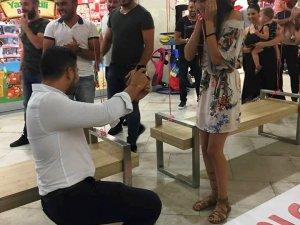 Sürpriz evlilik teklifi...