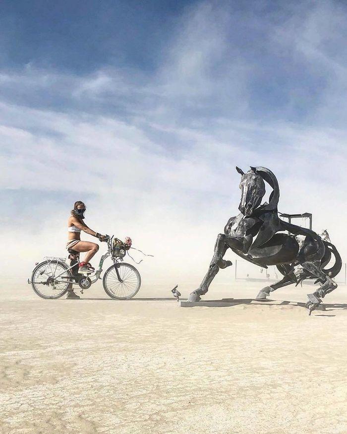Dünyanın en sıradışı festivali: Burning Man galerisi resim 54