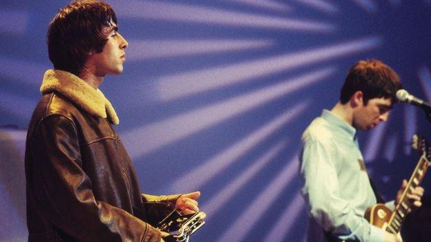 En popüler şarkılarını söylemeyi reddeden beş sanatçı galerisi resim 1