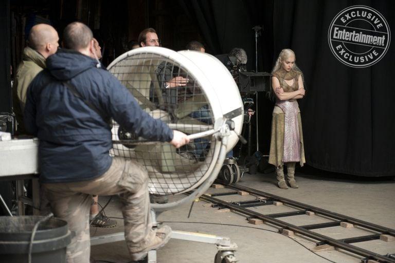 İşte Game of Thrones'un bugüne kadar görülmemiş kamera arkası görüntüler galerisi resim 1