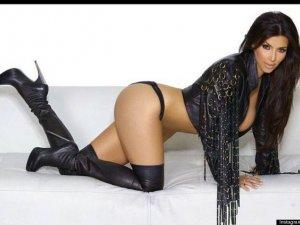 Kim Kardashian yine yakıyor