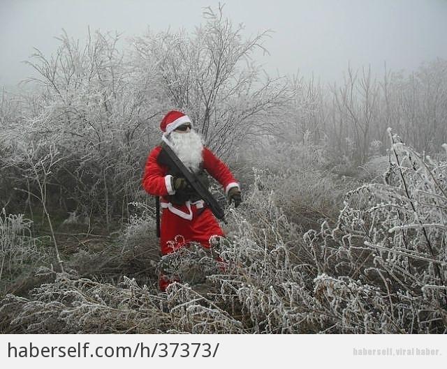 Kendini Kaybetmiş 20 Noel Baba galerisi resim 1