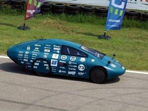1TL ile 350 kilometre yol giden elektrikli otomobil ürettiler