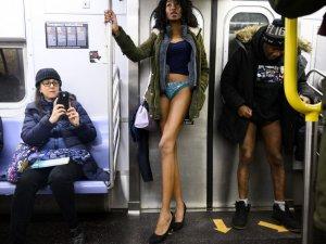 Geleneksel 18. 'Pantolonsuz Metro Yolculuğu' gerçekleşti