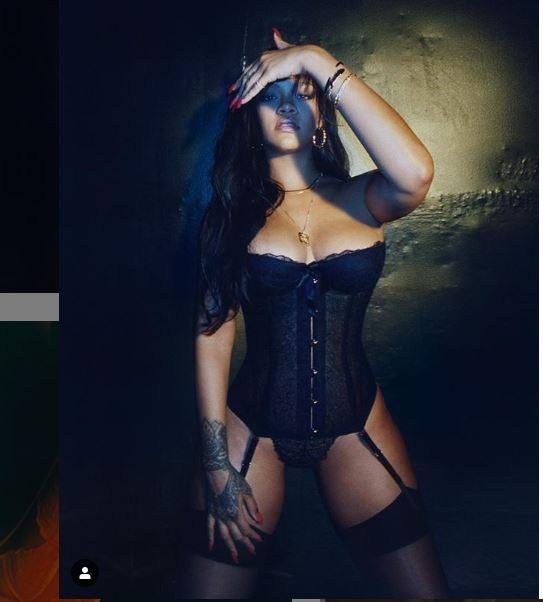 """Takipçilerinden Rihanna'ya : """"Sen bir Tanrıça'sın"""" galerisi resim 2"""