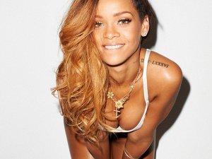 """Takipçilerinden Rihanna'ya : """"Sen bir Tanrıça'sın"""""""