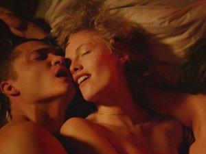 Gerçek seks sahneleri içeren aileyle  izlenmemesi gereken filmler