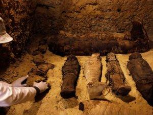 Mısır'da 12'si çocuklara ait 50 mumya bulundu