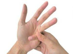 Parmağınız neden çıtlar?