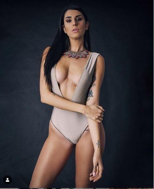 Sexy sporcu: Politikaya girsem 2 milyon insan bana oy verir galerisi resim 11
