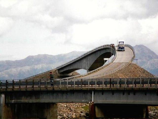 Dünyanın en tehlikeli yolu galerisi resim 2