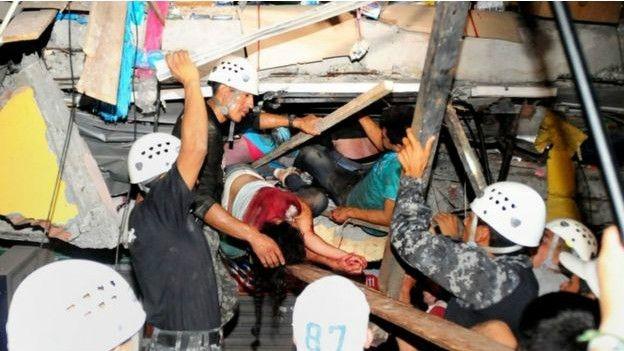Ekvador: Depremde ölü sayısı 246'ya çıktı galerisi resim 1