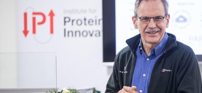Harvardlı profesör Timothy Springer, Koronavirüs sayesinde 800 milyon dolar kazandı