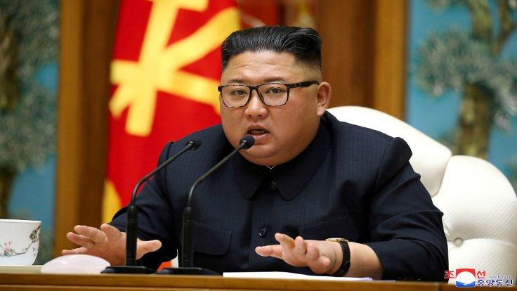 """Kuzey Kore Lideri Kim'den Ülkesinin """"Zor Durumda Olduğu"""" İtirafı"""