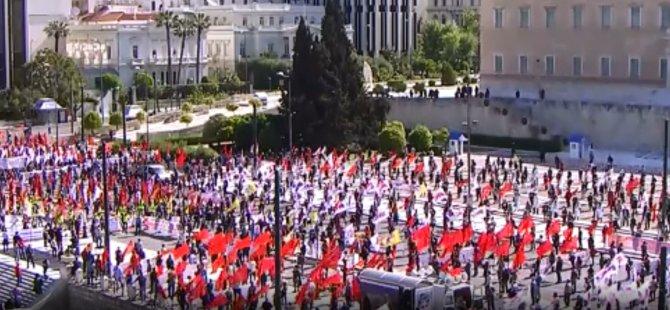 Atina'da koronavirüs gölgesinde 1 Mayıs kutlaması