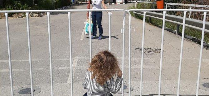 "Lefkoşa'da ""mülteci gibi"" oldu!"