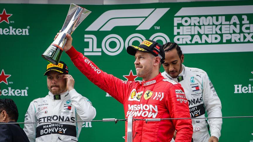 Dört kez F1 şampiyonu olan Vettel, Ferrari'den ayrılıyor