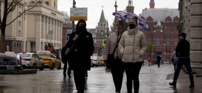 Rusya'da Kovid-19 vaka sayısı 8572 arttı