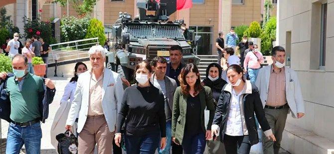Gözaltına alınan HDP'li 3 belediye başkanı serbest bırakıldı