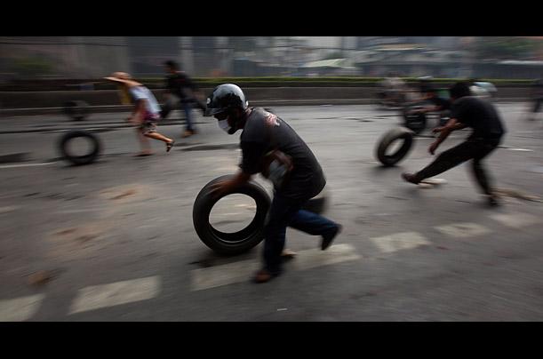 Bangkok'ta olağanüstü hal ilan edildi